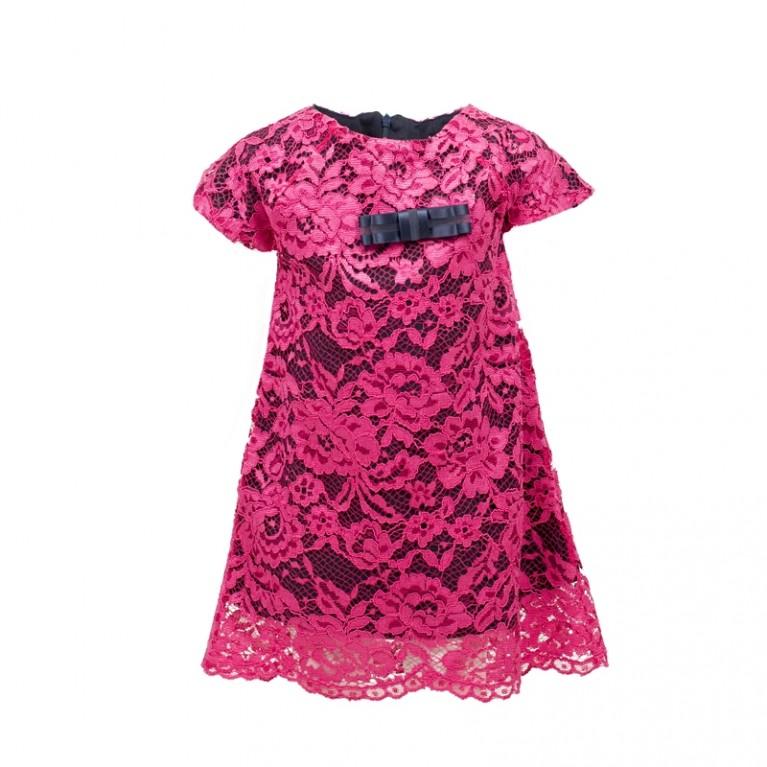 Φόρεμα με δαντέλα εξωτερικά